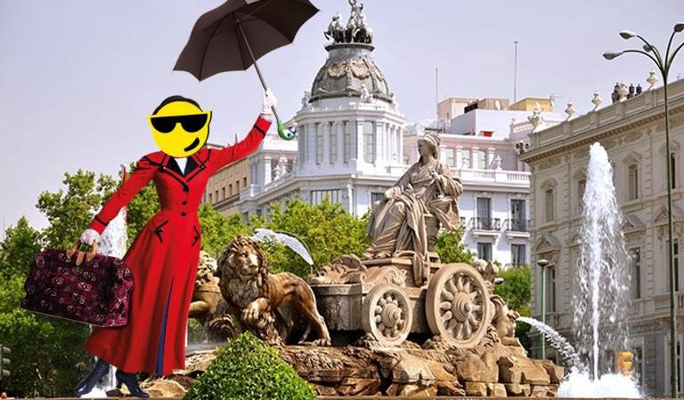 Blogger detenida en la calle por escándalo público gritando: «soy la verdadera Mary PopUpins!!»