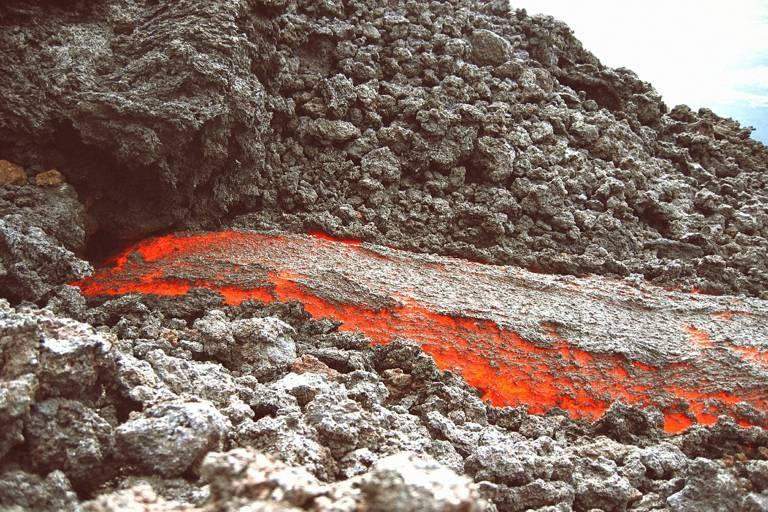 El suelo es lava